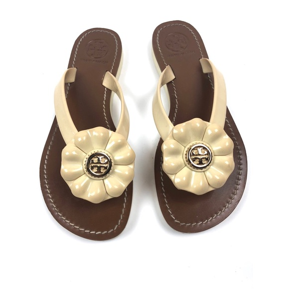 25cc71ed50a4eb  Tory Burch  Breely Flower thong Sandals. M 5a9894b1fcdc3157c21f7a03